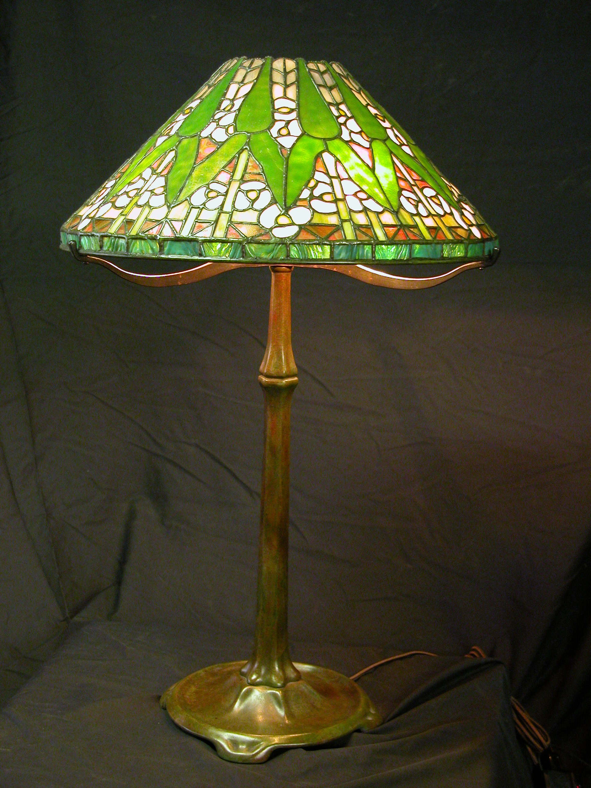 Custom Lighting Arrowroot Lamp